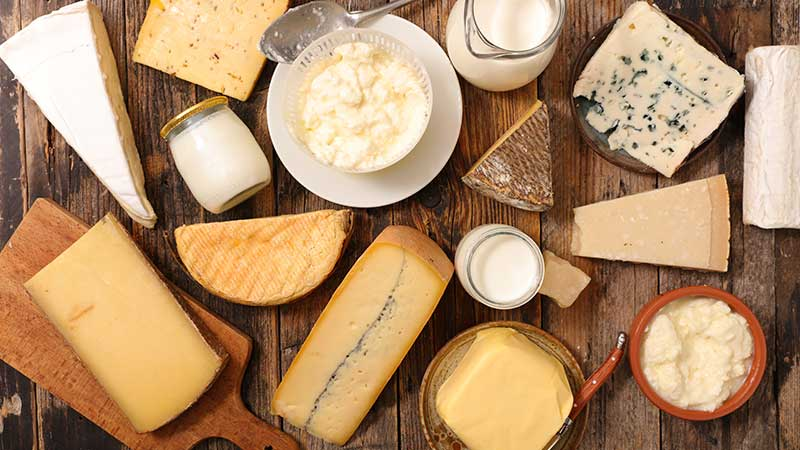 שולחן שוק חלבי